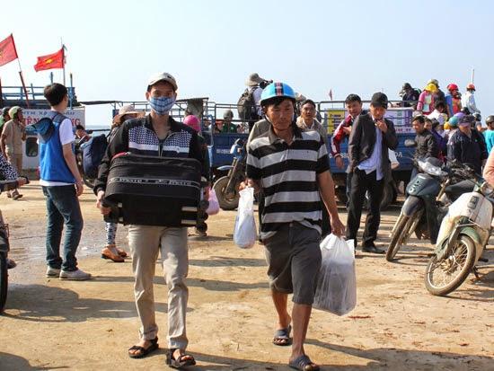 Những năm gần đây, Lý Sơn luôn thu hút lượng khách du lịch lớn ra thăm đảo mỗi dịp lễ tết.