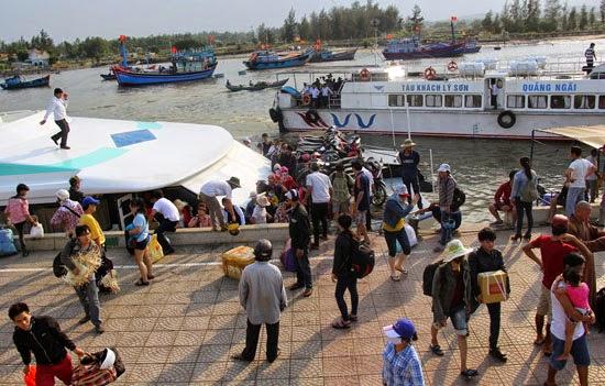 Dù lượng khách ra đảo đạt mức kỷ lục, nhưng Ban quản lý Cảng không để tình trạng khách quá tải xảy ra.