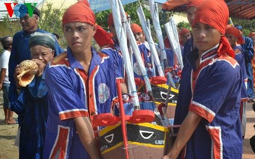 Lễ khao lề thế lính Hoàng Sa