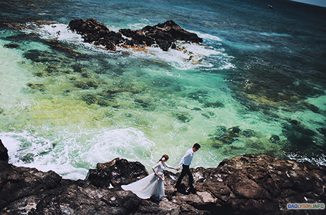 Bãi biển Lý Sơn đẹp tuyệt vời trong bộ ảnh cưới của Đỗ Giang và Phạm Cẩm
