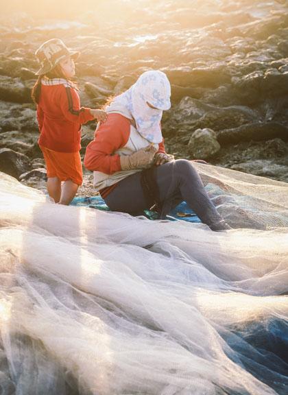 Buổi chiều của gia đình ngư phủ trên đảo Lý Sơn - hình 11