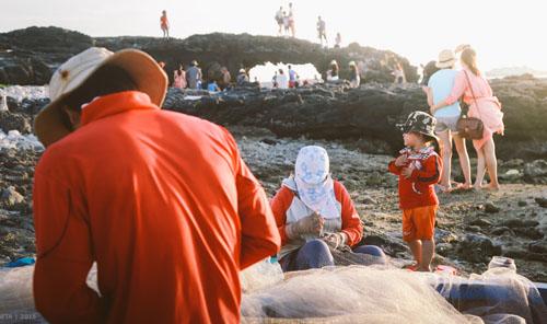Buổi chiều của gia đình ngư phủ trên đảo Lý Sơn - hình 5