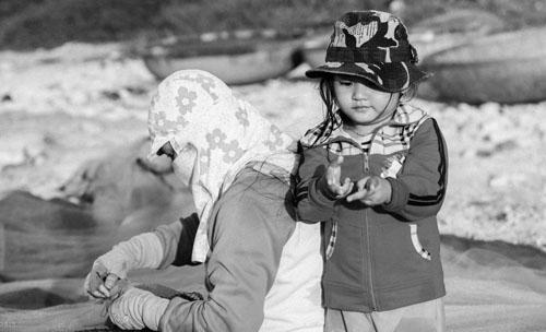 Buổi chiều của gia đình ngư phủ trên đảo Lý Sơn - hình 8