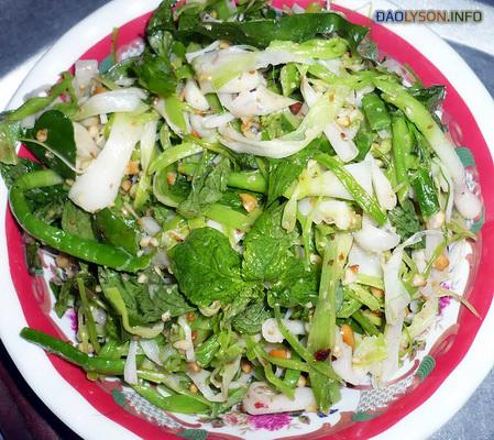 Gỏi tỏi - đặc sản Đảo Lý Sơn