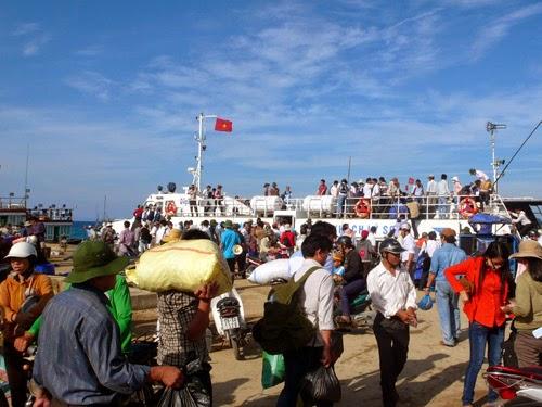 Bất cập cầu cảng Lý Sơn