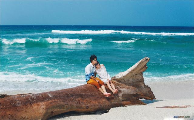 Bộ ảnh cưới được thực hiện với phong cách tự do giữa không gian thiên nhiên hoang sơ của đảo Lý Sơn.