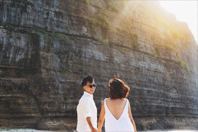 Không gian đẹp, đa dạng, có cả núi, biển và thung lũng ở Lý Sơn tạo thành bối cảnh đa dạng, phong phú cho album cưới.
