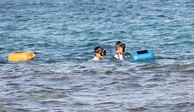 Đảo Lý Sơn - Thợ lặn nhí trổ tài trên biển - Hình 4