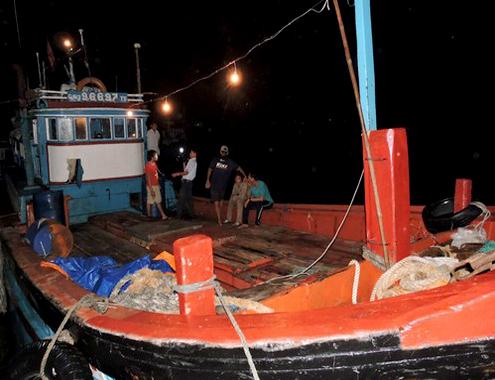 Ngư dân Lý Sơn tố bị tàu Trung Quốc cướp tài sản