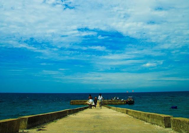 Cầu tàu ở đảo Bé.