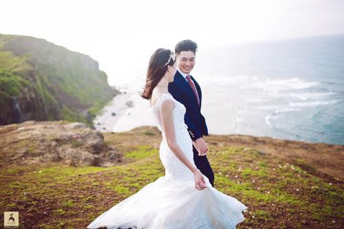 Ảnh cưới đầy khoáng đạt giữa trời đất bao la