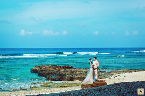 Vì phải di chuyển trên tàu ra đảo khá xa, cô dâu bị say sóng mệt mỏi, lên tới đảo Như Quỳnh còn tưởng như không thể chụp hình được nữa.