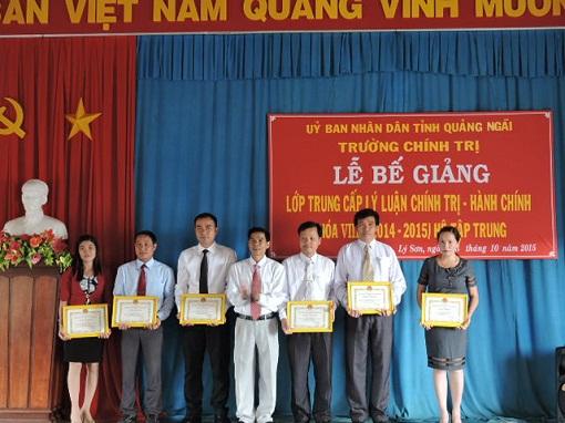 Bế giảng lớp Trung cấp Chính trị - Hành chính tại Lý Sơn - Hình 5
