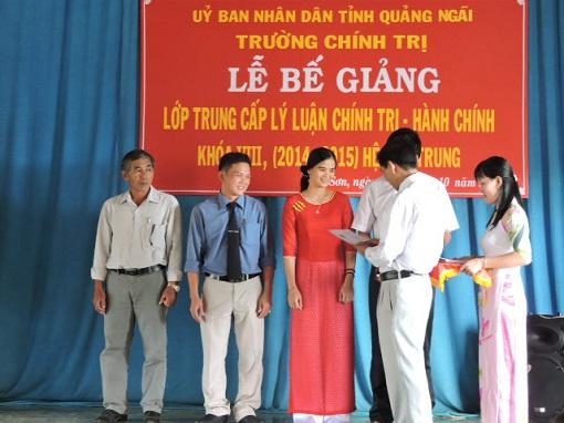 Bế giảng lớp Trung cấp Chính trị - Hành chính tại Lý Sơn - Hình 6