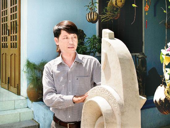 Nhà điêu khắc Huỳnh Minh Hùng.