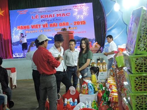 Lý Sơn: Khai mạc phiên chợ hàng Việt về hải đảo năm 2015 - Hình 6