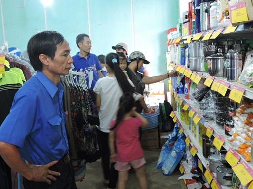 Lý Sơn: Khai mạc phiên chợ hàng Việt về hải đảo năm 2015 - Hình 5