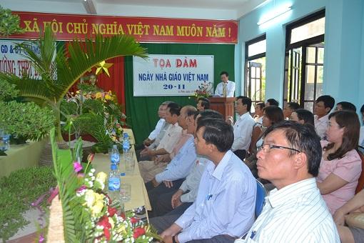 Trường THPT Lý Sơn tổ chức tọa đàm nhân ngày Nhà giáo Việt Nam 20/11 - Hình 2