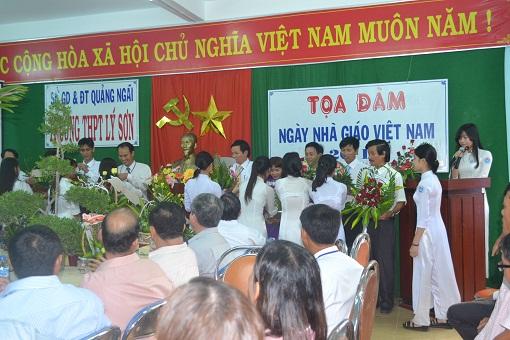 Trường THPT Lý Sơn tổ chức tọa đàm nhân ngày Nhà giáo Việt Nam 20/11 - Hình 7