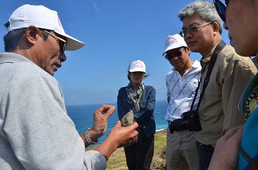 Khảo sát địa chất ở Lý Sơn