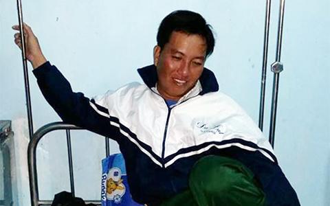 Ngư dân Lộc đang được chăm sóc tại bệnh xá xã Phổ Khánh