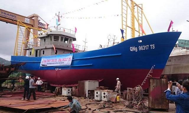 Tàu cá vỏ sắt QNg 96317 Ts