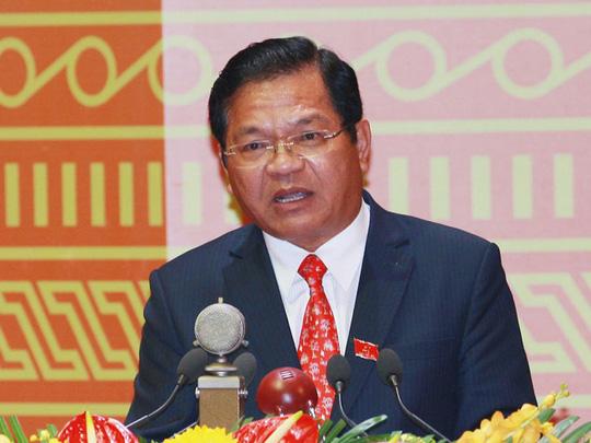 Ông Lê Viết Chữ, Bí thư Tỉnh ủy Quảng Ngãi, trình bày tham luận tại Đại hội XII