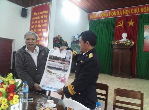 Bộ Tư lệnh Vùng 3 Hải quân thăm, chúc Tết quân dân Đảo Lý Sơn - Hình 1