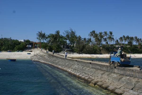Một góc xã đảo An Bình, huyện đảo Lý Sơn