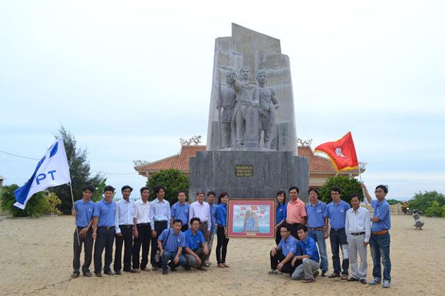 Tượng đài hùng binh Hoàng Sa trên đảo Lý Sơn