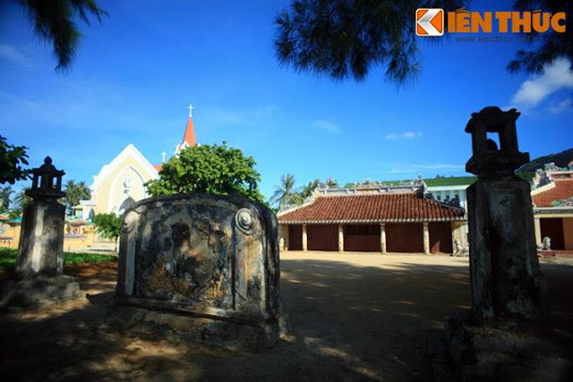Ngôi đình cổ nổi tiếng nhất đảo Lý Sơn - Hình 1