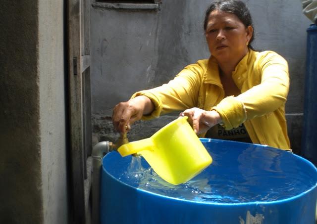 Biến nước biển thành nước ngọt cung cấp cho nhu cầu sinh hoạt của người dân đảo Bé.