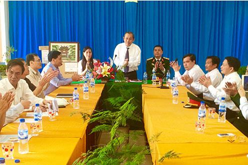 Chánh án TANDTC Trương Hòa Bình phát biểu chỉ đạo tại buổi làm việc