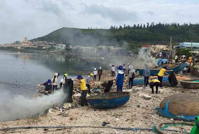 Gần 200 học sinh huyện đảo tham gia dọn rác. - Hình 6