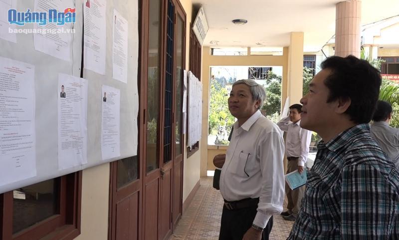 Đồng chí Võ Phiên kiểm tra công tác chuẩn bị bầu cử tại xã An Vĩnh