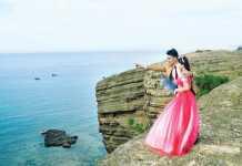 Với cảnh đẹp hoang sơ nhưng không kém phần lãng mạn, Lý Sơn là địa điểm lý tưởng cho các cặp đôi chụp hình cưới.