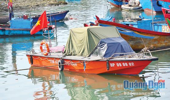 Ca nô cao tốc vừa được Đồn BP Lý Sơn nhận về, phục vụ công tác tuần tra và cứu nạn gần bờ trong mùa mưa bão năm nay.