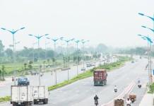 Đường Trường Sa có chiều dài 7,35 km được đặt cho đoạn từ ngã tư giao cắt cầu vượt đường Võ Nguyên Giáp đến chân cầu Đông Trù