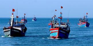 Ngư dân Lý sơn bám biển, khai thác hải sản, giữ vững chủ quyền biển đảo