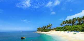 Phong cảnh tuyệt đẹp nhưng còn hoang sơ của đảo Bé
