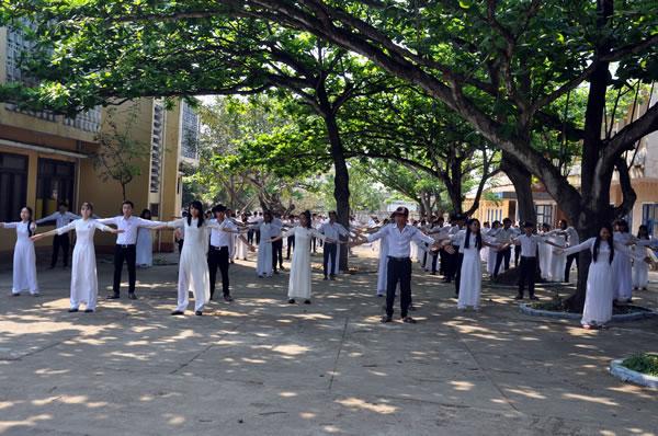 Học sinh huyện đảo Lý Sơn ngày càng được thụ hưởng môi trường học tập tốt.