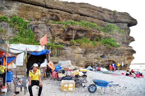 Thắng cảnh Hang Cau - một trong những điểm có tầng địa chất quý hiếm bị xâm lấn khiến hư hại nặng