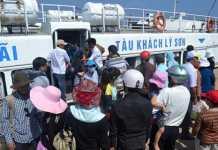 Tuyến vận tải Sa Kỳ - Lý Sơn hoạt động trở lại sau nhiều ngày tạm dừng do biển động