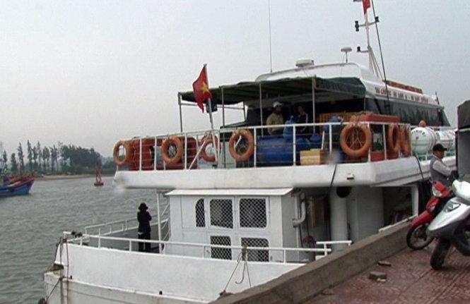Các tàu khách cao tốc Sa Kỳ - Lý Sơn đều dừng hoạt động