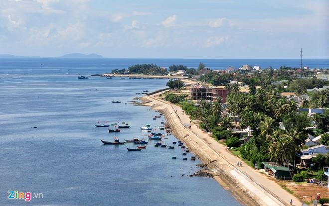 Tuyến đường cơ động ven biển huyện đảo Lý Sơn - nơi dự kiến hình thành phố đi bộ.