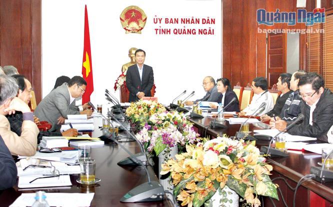 Phó Chủ tịch UBND tỉnh Đặng Ngọc Dũng phát biểu chỉ đạo tại cuộc họp. ẢNH: MAI HẠ