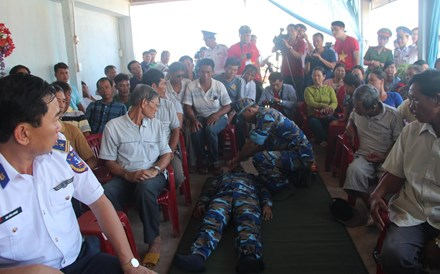 Tập huấn sơ cứu khẩn cấp trên biển