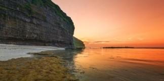 Vẻ đẹp hang Câu, Lý Sơn, Quảng Ngãi. Ảnh: hoanglongphoto