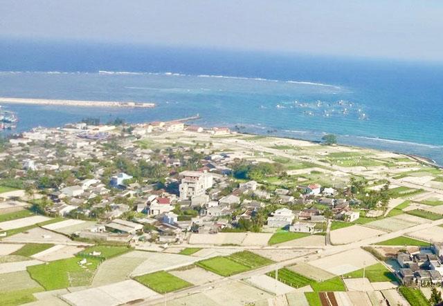Một góc phía đông của đảo Lý Sơn