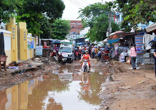 Dự án mở rộng đường trung tâm huyện đảo Lý Sơn triển khai nhiều năm nhưng đến nay vẫn chưa hoàn thành